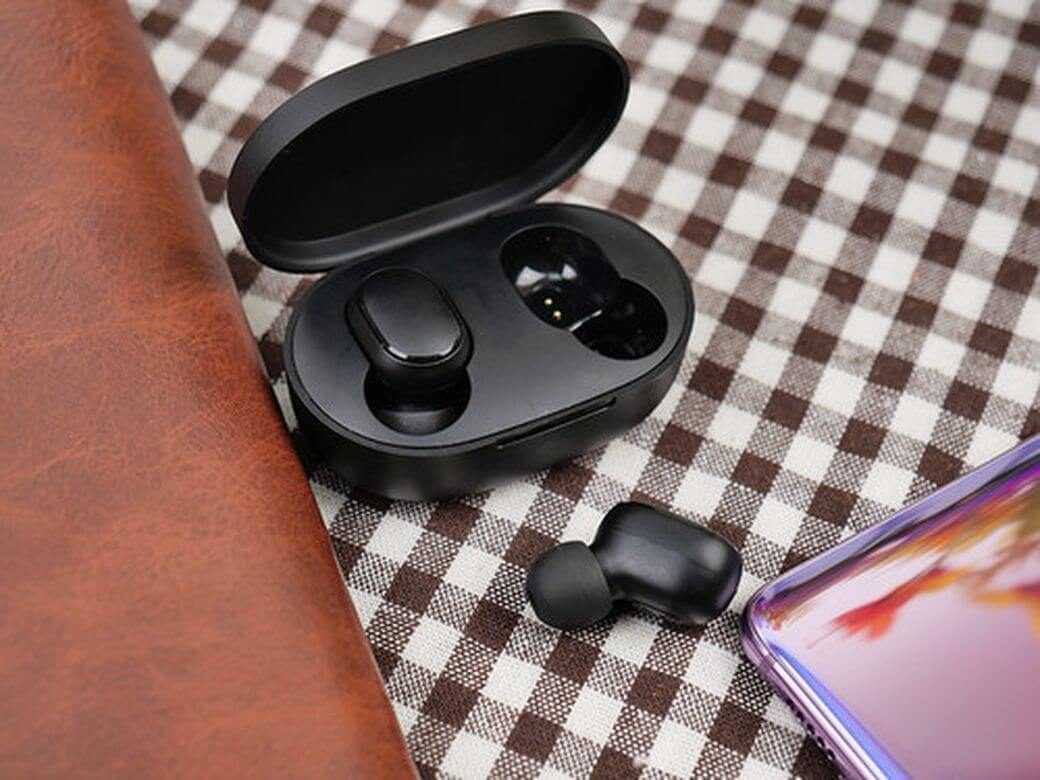 Redmi AirDots Обзор: Бюджетные беспроводные наушники от Xiaomi