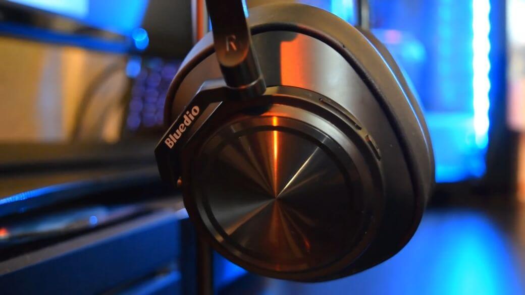 Bluedio T7 Обзор: Полноразмерные беспроводные наушники с активным шумоподавлением