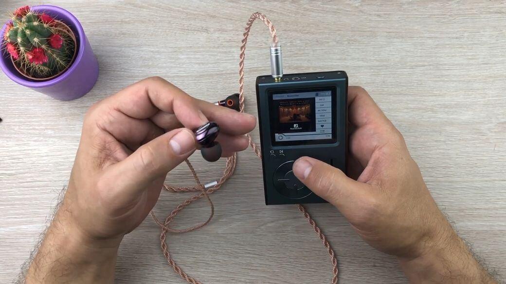 Motsoul X1 Обзор: Гибридные наушники с MMCX разъемом