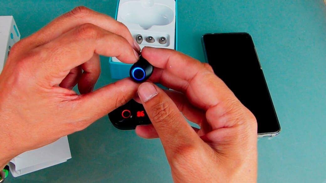 RockSpace Doboss J29 Обзор: Bluetooth наушники с LED экраном