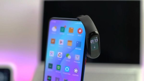Xiaomi Mi Band 4 Обзор: Фитнес трекер который удивил