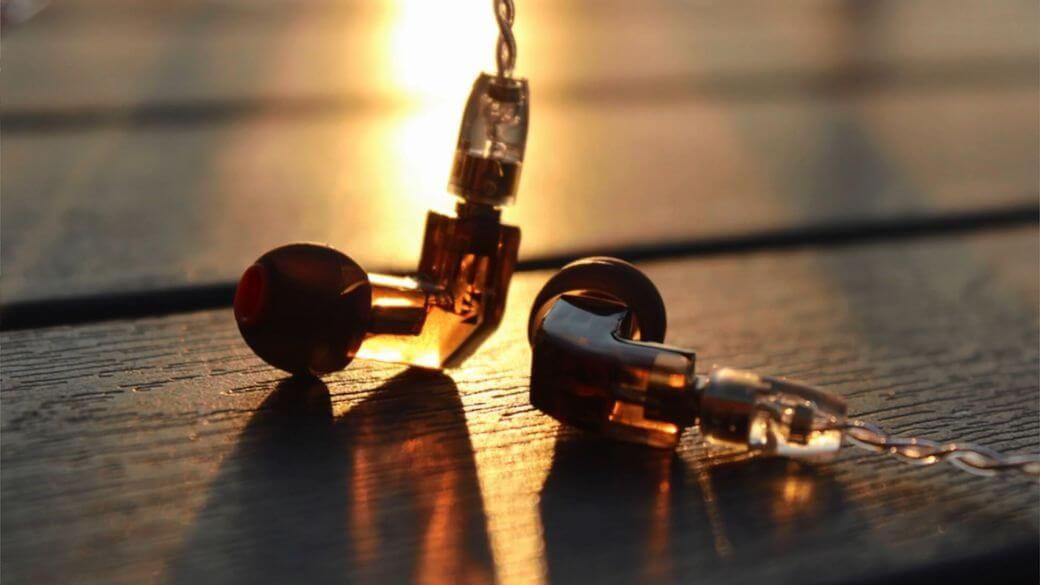 KB EAR F1 Обзор: Арматурные наушники до $40