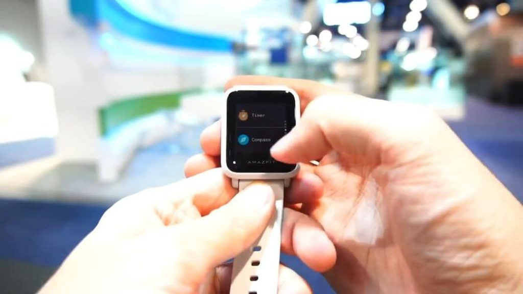 Amazfit BIP S Обзор: Часы с рефлективным экраном за $69