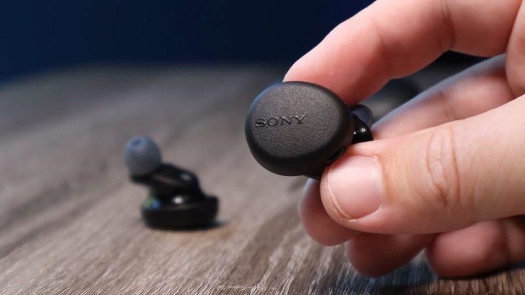 Sony WF-XB700 Extra Bass Обзор: Самые неуклюжие наушники за $129