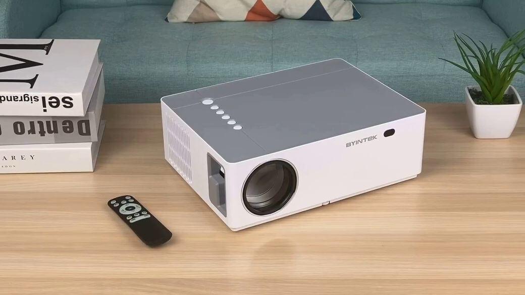 BYINTEK K20 Обзор: Привлекательный недорогой Full HD проектор 2020 года