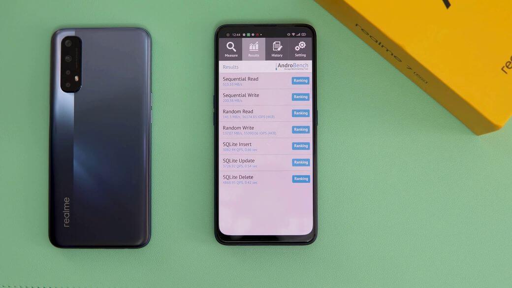 Realme 7 Pro Обзор: Почти как флагман с AMOLED экраном и 65 Вт адаптером