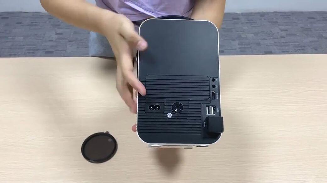 Everycom R10 Обзор: Компактный проектор по низкой цене