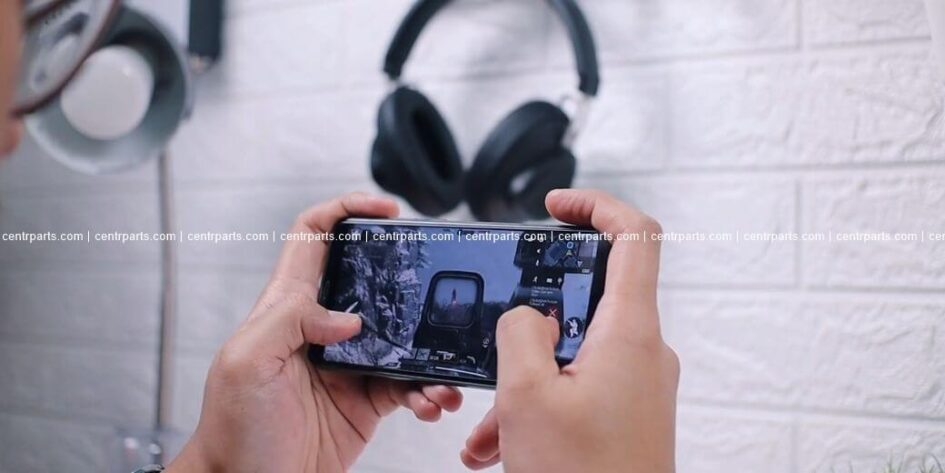 Sharp Aquos V Обзор: Стоит ли покупать смартфон на Snapdragon 835 в 2021 году?