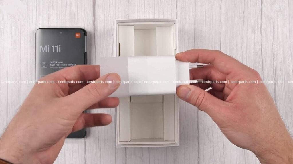 Xiaomi Mi 11i Обзор: Сложный выбор между флагманом Mi 11