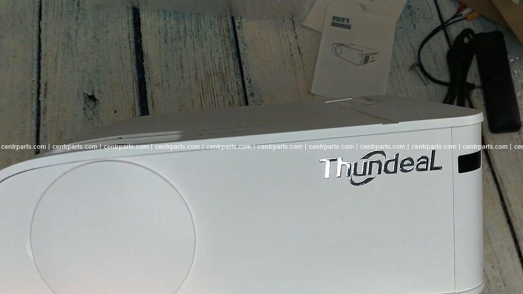 ThundeaL TD93 Обзор: Небольшой проектор с 1080р за $175