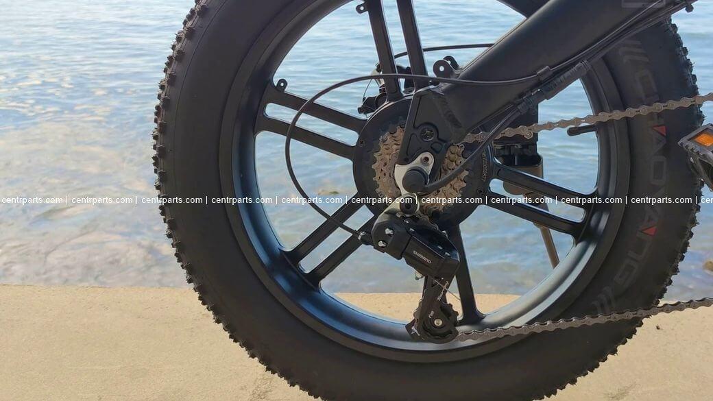 ADO A20F Обзор: Большой электробайк с широкими колесами